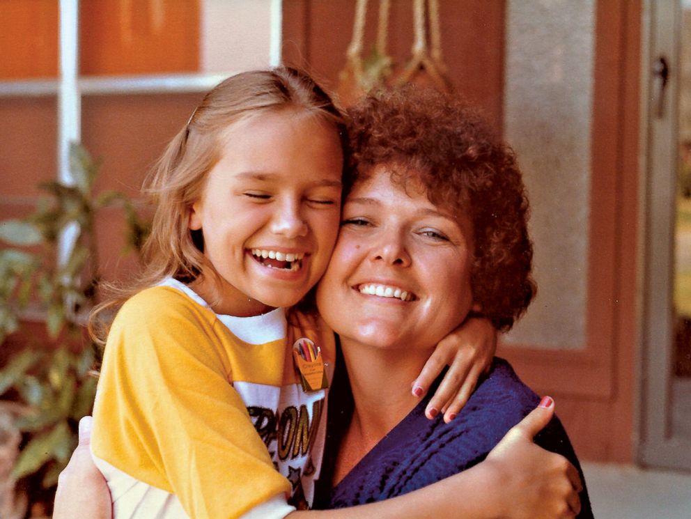 Kristin Chenoweth mom