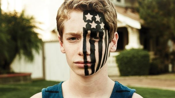 "PHOTO: Fall Out Boys ""American Beauty/American Psycho"""