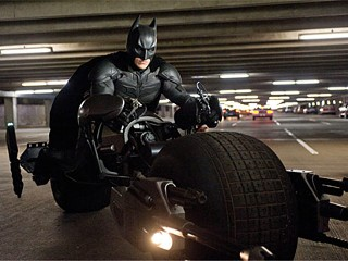 'Dark Knight' Reviews Spark Backlash