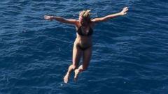 Chelsea Handler Rocks a Black Bikini