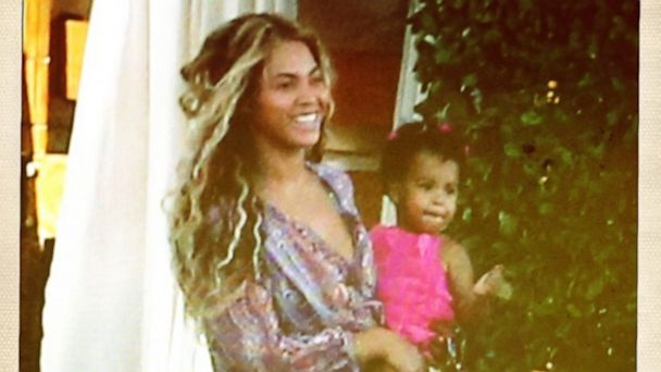 ht beyonce 3 mi 130729 16x9 608 Beyonce Shows Off Baby Photos