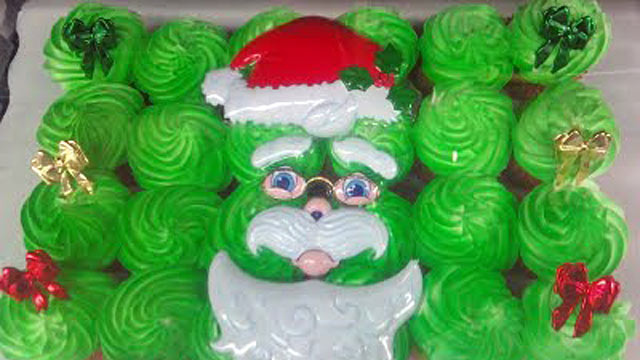 PHOTO: A scary santa cake from CakeWrecks.com is shown here.