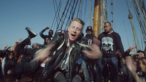 ht cant holdus mi 130805 16x9 608 Feed Frenzy: Robin, Macklemore, Miley    Who Has the Song of the Summer?
