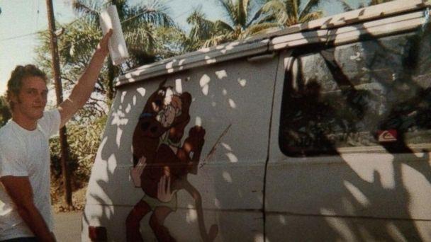 ht chris pratt scooby van mt 140818 16x9 608 Chris Pratt Shares Pic of Van He Lived In Before Stardom