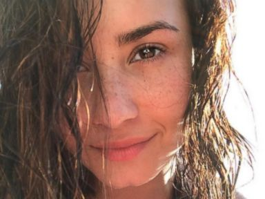 Demi Lovato Shows Off Her Freckles
