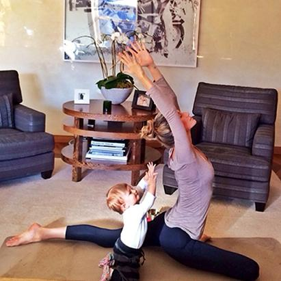 Gisele Bundchen Does Yoga with Baby Vivian