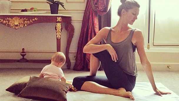 ht gisele bundchen yoga kid 1 thg 131002 16x9 608 Gisele Bundchen Does Yoga with Baby Vivian    Adorable Photos