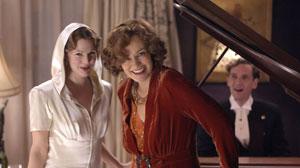 Jessia Lange Drew Barrymore in HBOs Grey Gardens