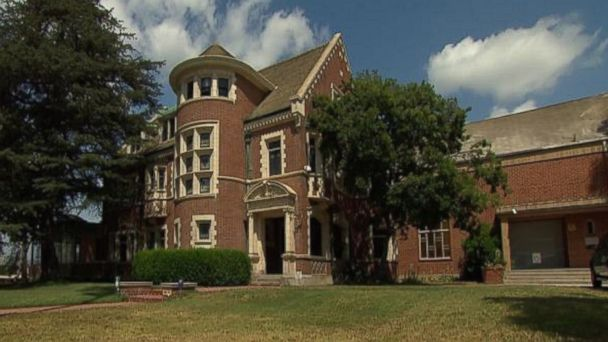 "PHOTO: This Los Angeles house is seen on the first season of the TV show, ""American Horror Story,"""