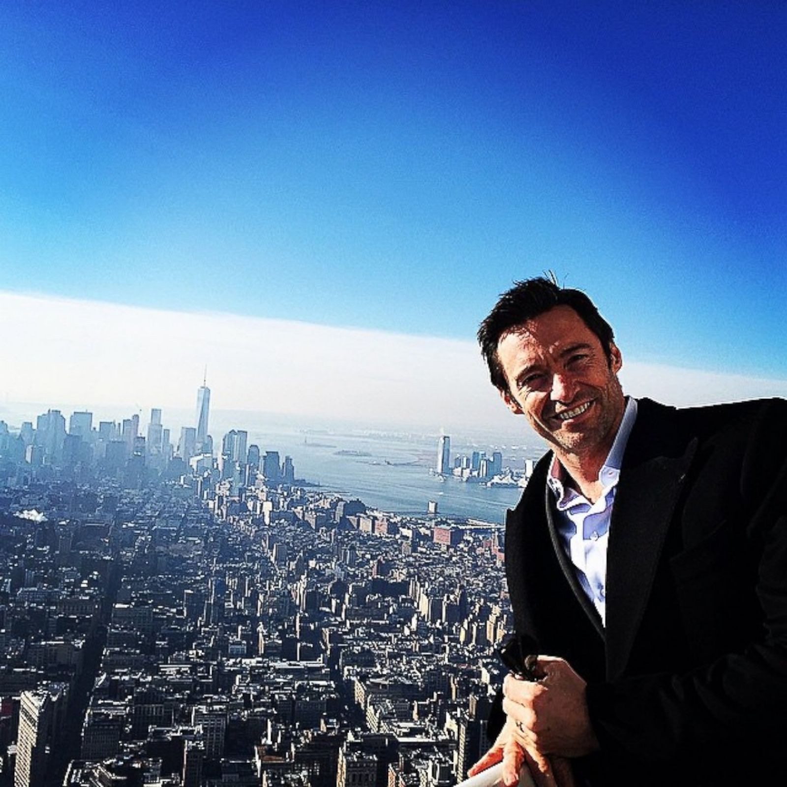 hugh jackman shares a selfie from the empire state building picture celebrities on social. Black Bedroom Furniture Sets. Home Design Ideas