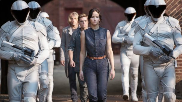 "PHOTO: Jennifer Lawrence stars as Katniss Everdeen in ""The Hunger Games: Catching Fire."""