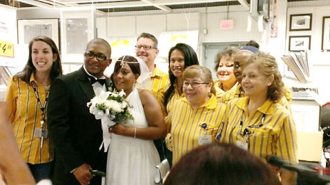 ht ikea wedding nt 130611 wblog Couple Says I Do in IKEAs Framing Department