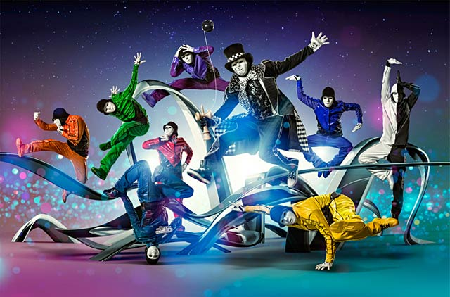 ht jabbawockeez ll 130815 wblog 15 Minutes and Fame: Paul Mobleys Dazzling Celebrity Portraits