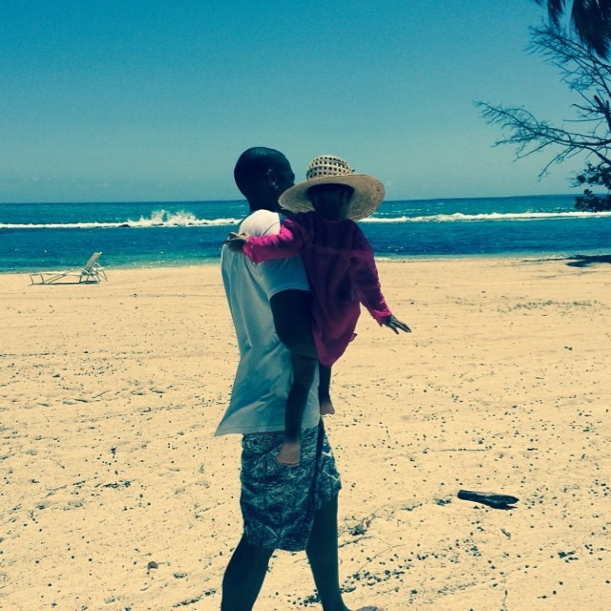 Beyonce Shares a Sweet Shot of Jay Z and Blue