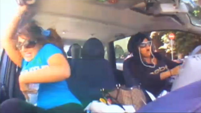 PHOTO: Snooki crashes her car