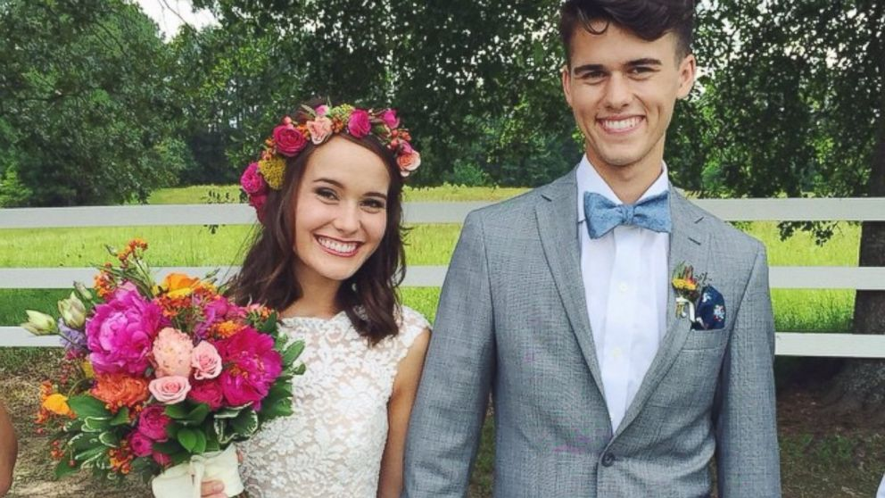 duck dynasty star john luke robertson marries mary kate