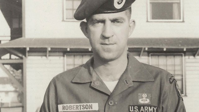 PHOTO: The U.S. says Sgt. 1st Class John H. Robertson, posing as the former Green Beret, is an imposter.