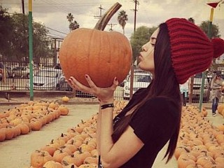 Photos: Kendall Jenner Picks Pumpkin