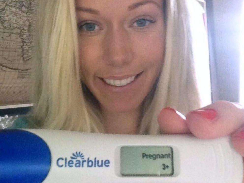 PHOTO: Kendra Wilkinson shows her positive pregnancy test result in a photo she tweeted on Oct. 31, 2013.