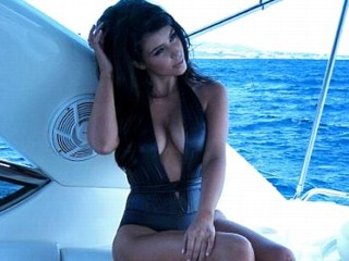 Photos: Kim K's Sexy Swimsuit Shot