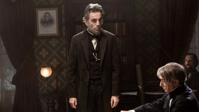 PHOTO: Daniel Day-Lewis, center rear, as Abraham Lincoln, in a scene from the film, &quot;Lincoln.&quot;