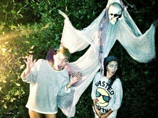Photos: Miley in the Halloween Spirit