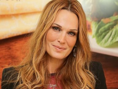 Why Molly Sims' Husband Loves Her New 'Do