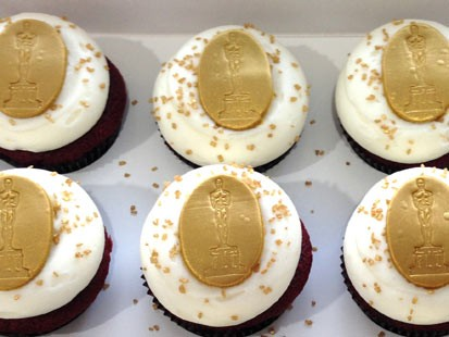 PHOTO: Georgetown Cupcakes red velvet Oscar cupcake is shown here.