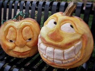Photos: Halloween Pumpkin carving