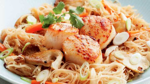 PHOTO: Stir-Fry noodles with seared scallops from the MasterChef: The Ultimate Cookbook © 2012.