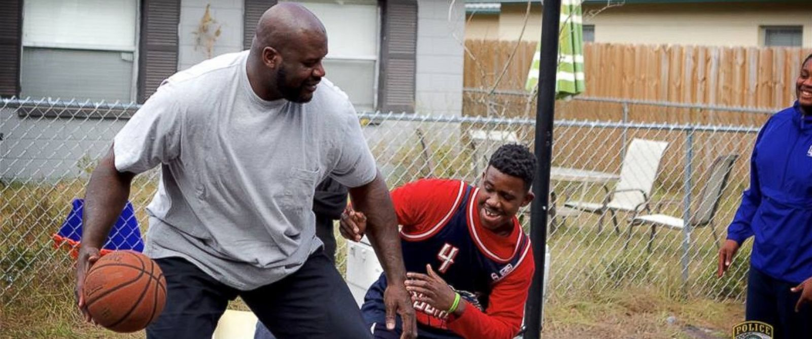 PHOTO: Shaquille O'Neal Joins Florida Cop to Surprise Kids in Viral Pick-Up Game
