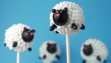 PHOTO: Bakerella's sheep cake pops are shown here.