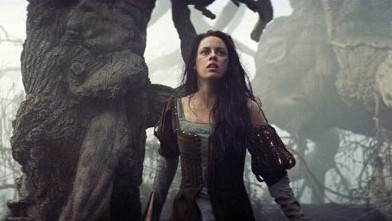 PHOTO: Kristen Stewart in Snow White and the Huntsman.