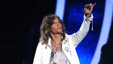 PHOTO: Judge Steven Tyler makes his entrance during the American Idol Grabd Finale at the Nokia Theatre, May 25, 2011 in Los Angeles, California.