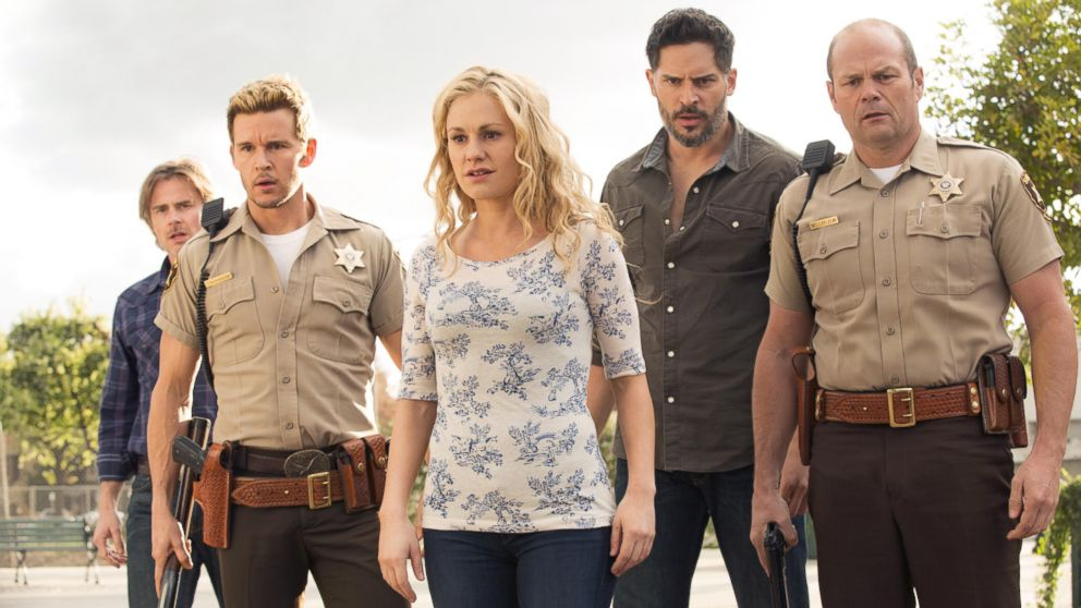 "PHOTO: Sam Trammell, Ryan Kwanten, Anna Paquin, Joe Manganiello, and Chris Bauer appear in HBOs ""True Blood."""