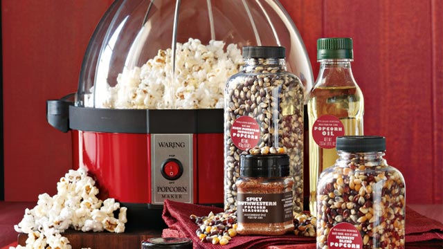 PHOTO: Waring Pro Popcorn Maker Gift Set