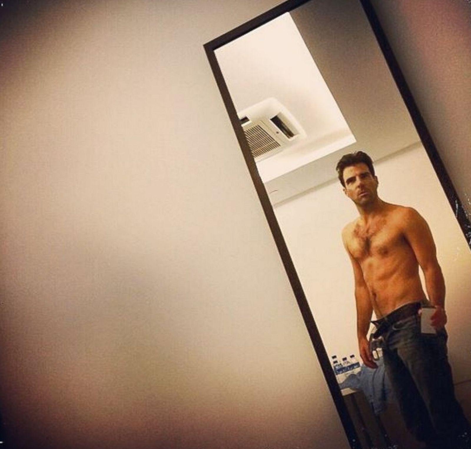 Selfie Bikini Teen Ht_zachary_quinto_selfie_sr_ ...