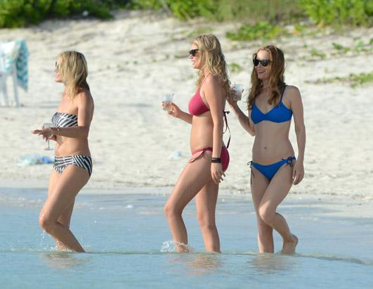 Cameron Diaz, Leslie Mann and Kate Upton in the Bahamas on Set