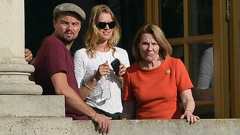 inf leonardo dicaprio jef 130607 wblog Photo: Leonardo DiCaprio Steps Out With Model Toni Garrn
