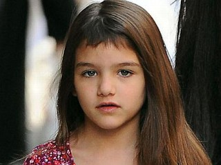 Photos: Suri Cruise Rocks Choppy Bangs