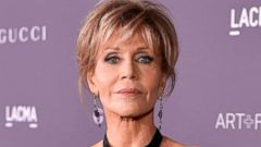 'PHOTO: Jane Fonda attends the 2017 LACMA Art + Film Gala Honoring Mark Bradford and George Lucas, Nov. 4, 2017 in Los Angeles, Calif.' from the web at 'http://a.abcnews.com/images/Entertainment/jane-fonda-gty-jrl-180115_16x9t_240.jpg'