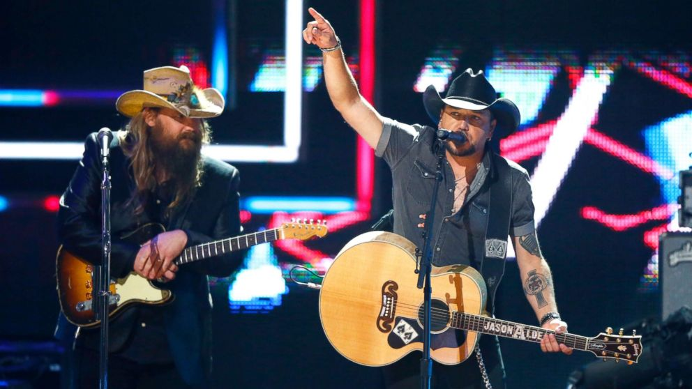 2017 CMT Artists of the Year: Performers honor Las Vegas shooting victims and heroes