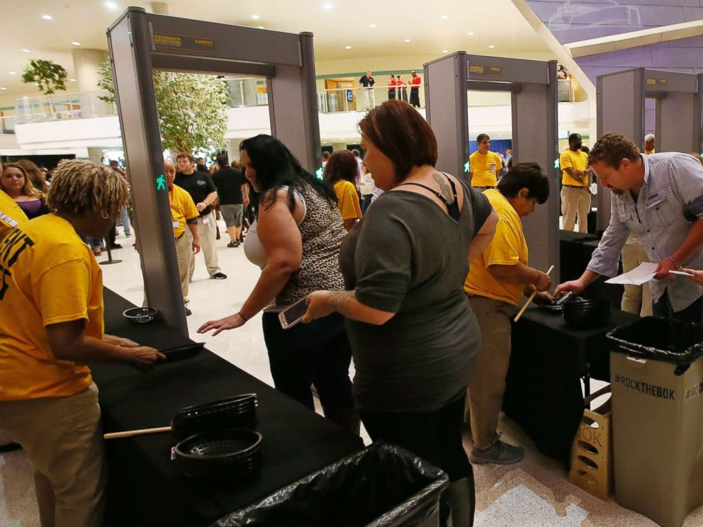 PHOTO: Concert-goers pass through security for country singer Jason Aldeans concert in Tulsa, Okla., Thursday, Oct. 12, 2017.