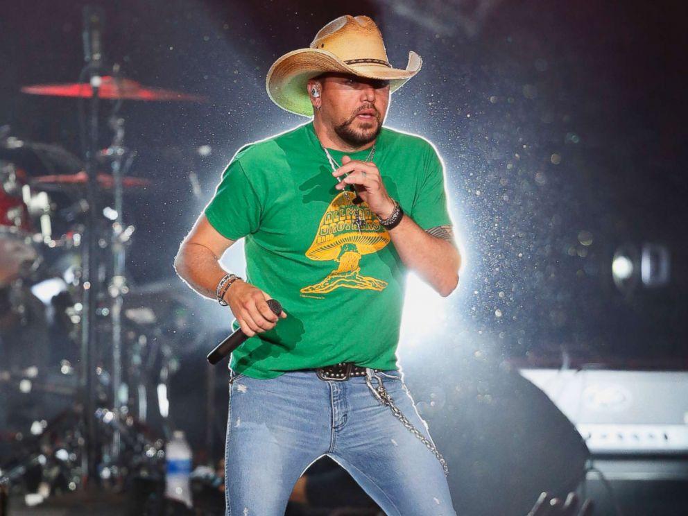 PHOTO: Country star Jason Aldean performs in Tulsa, Okla., Oct. 12, 2017.