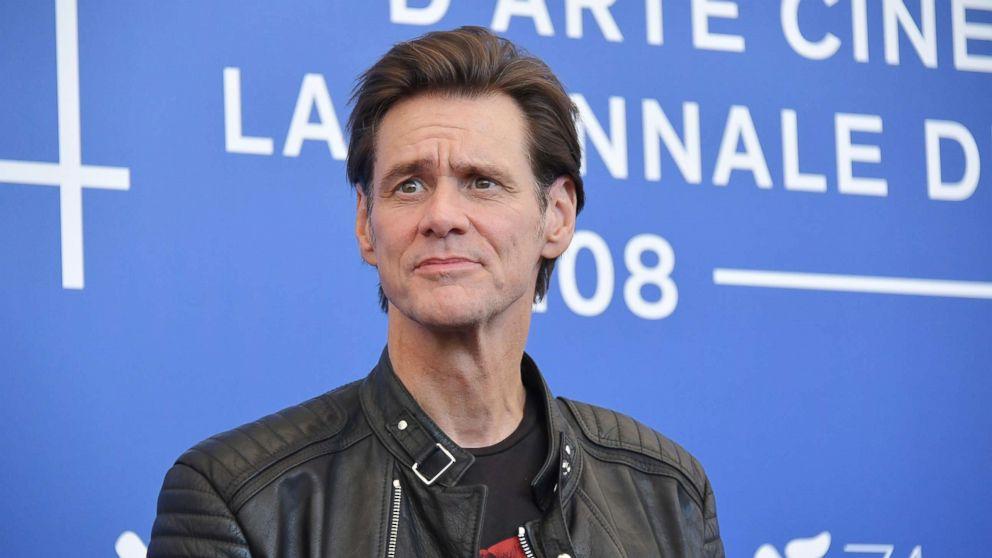 Jim Carrey slammed online for alleged Sarah Sanders caricature