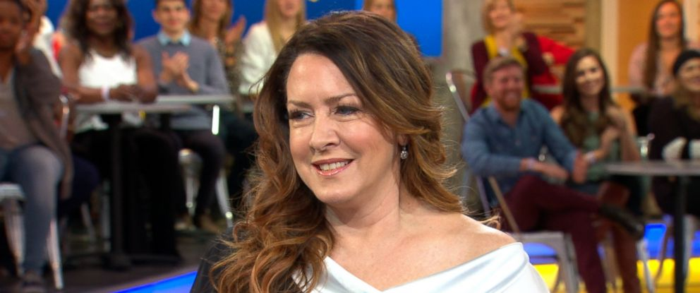 "PHOTO: Actress Joely Fisher opens up about her intimate new book, ""Growing Up Fisher,"" on ""Good Morning America, Nov. 14, 2017."""
