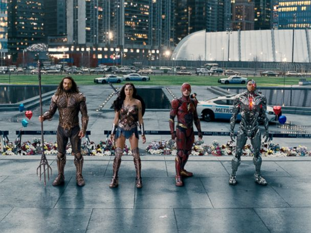 """'PHOTO: Jason Momoa, as Aquaman, Gal Gadot, as Wonder Woman, Ezra Miller, as The Flash, and Ray Fisher, as Cyborg, in a scene from """"Justice League.""""' from the web at 'http://a.abcnews.com/images/Entertainment/justice-league-team-ht-jef-171115_4x3_608.jpg'"""
