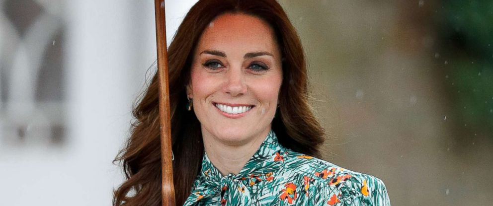 PHOTO: Catherine, Duchess of Cambridge visits the Sunken Garden in the grounds of Kensington Palace, Aug. 30, 2017 in London.