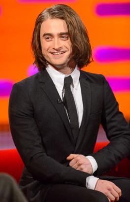 Daniel Radcliffe Tries Hair Extensions