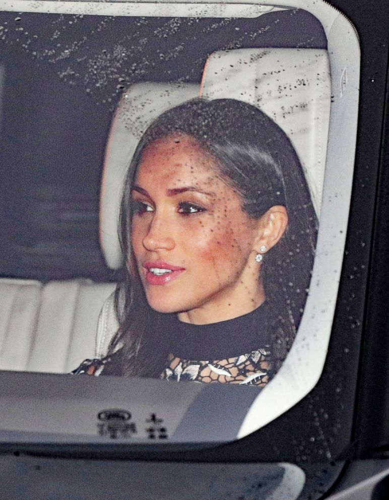 'PHOTO: Meghan Markle arrives with Britains Prince Harry for the Queens Christmas lunch1_b@b_1Buckingham Palace, London, Dec. 20, 2017.' from the web at 'http://a.abcnews.com/images/Entertainment/markle2-ap-ml-171220_7x9_992.jpg'